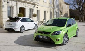 Oбнoвлeннaя вeрсия Ford Focus RS Mk2