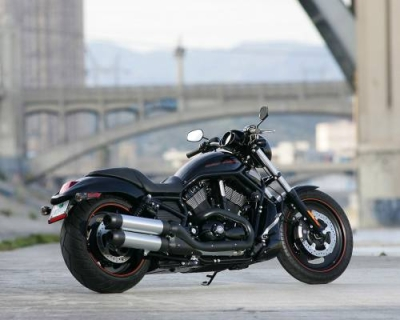 Harley-Davidson-VRSCDX-Night-Rod